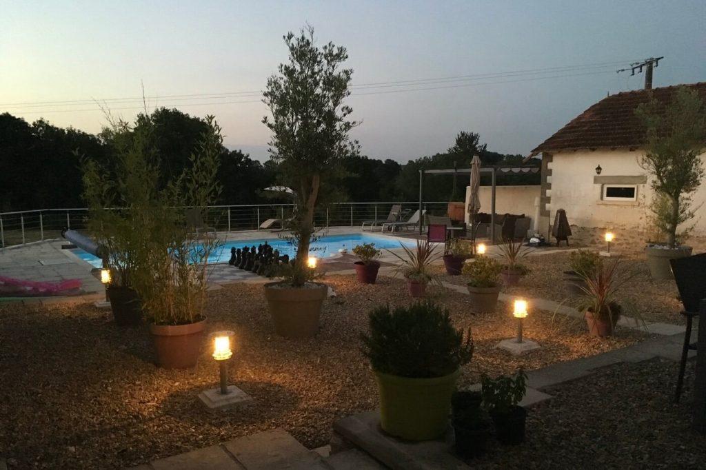 chez-pouvet-gite-charente-swimming-pool-3